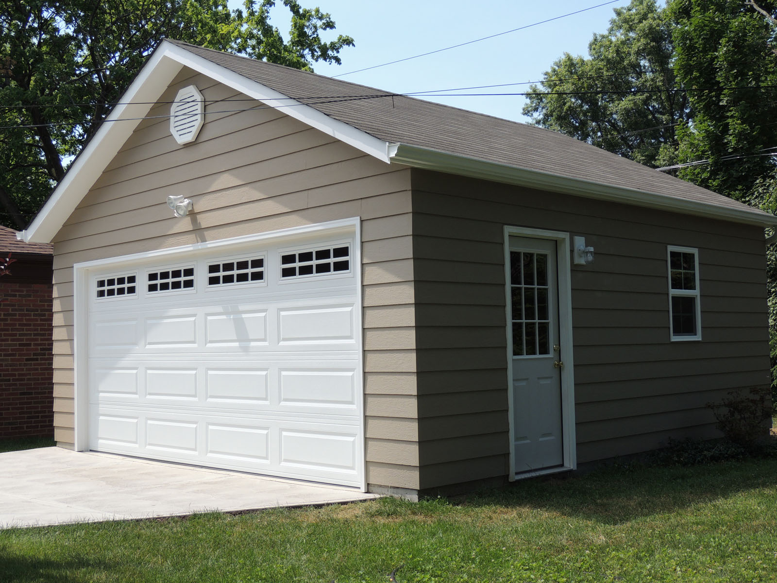 Custom garage construction cleveland ohio great garage for Garage building contractors